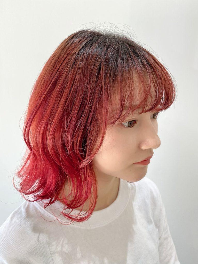 デザインカラー ピンクレッドカット写真