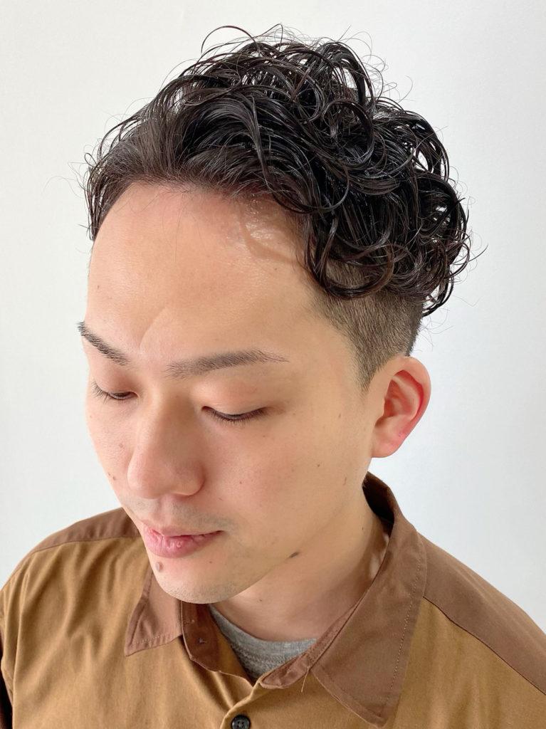 メンズ 刈り上げパーマ スタイルカット写真